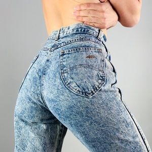 VINTAGE CHIC Acid Wash High Waist HiRise Mom Jeans
